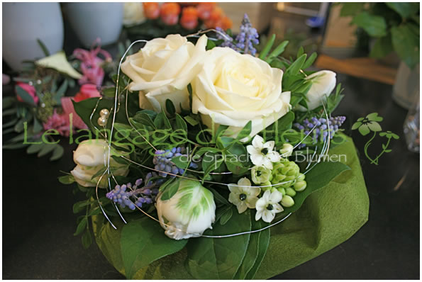 flower delivery munich we deliver fresh floral quality in munich flower delivery munich white flowers mightylinksfo Image collections